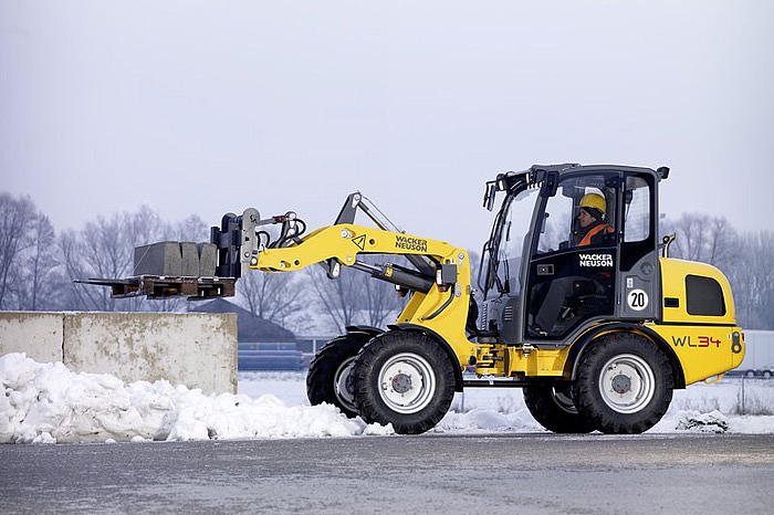 WL34 in application with forklift
